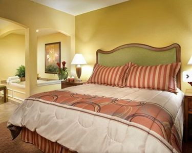 Photo for Thanksgiving Holiday Week Close to Disney World! Free Wi-fi and Parking