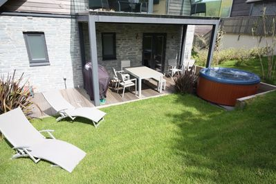 Wondrous Beautiful Holiday Home With Hot Tub Just A Walk Away From Talland Beach Looe Download Free Architecture Designs Remcamadebymaigaardcom