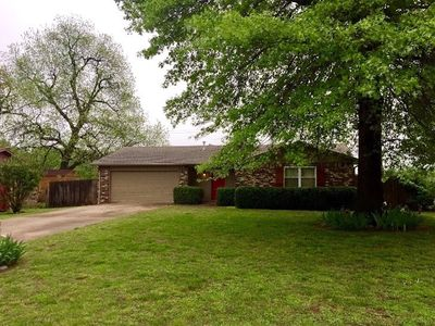 Photo for Cozy family home, central Fayetteville, All yours!