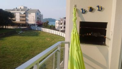 Photo for Apartment with balcony and side sea view in canajurê VDM104