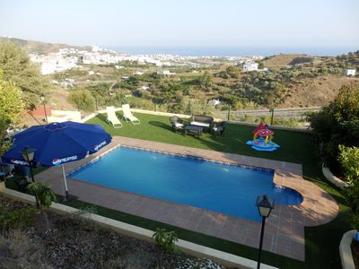 Photo for Cottage with private pool just 2 km from the beach and the village.