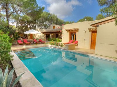 Photo for Quiet villa with private pool in Playa de Migjorn