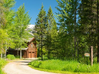 Photo for Spacious cabin nestled in the Aspens~Close to town and Teton Village!