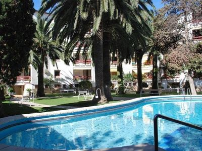 Photo for Ground floor apartment 4 pax with pool in Salou.