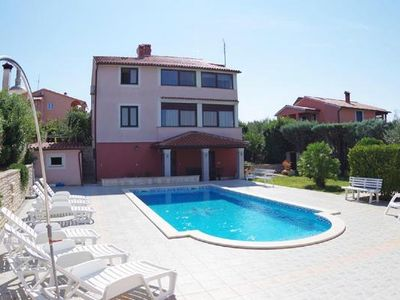 Photo for Holiday apartment Banjole for 2 - 5 persons with 2 bedrooms - Holiday apartment