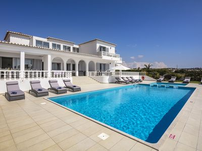 Photo for Vivenda Salgados - Fabulous 6 bedroom villa close to Albufeira, golf and beaches.