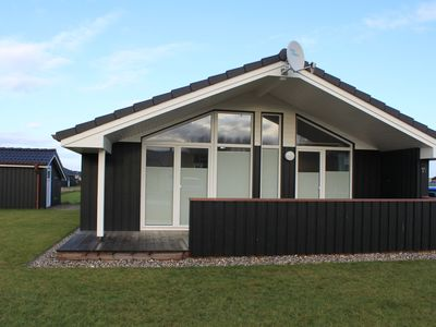 Photo for Cosy cottage on the dike btw. Büsum / St. Peter-Ording, Internet, Sauna, Dogs