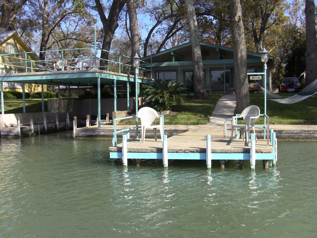 Lake House On The Guadalupe River Mcqueeney Texas