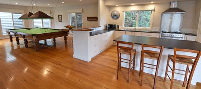 Photo for Portsea Holidays, spacious with Pool & pool table