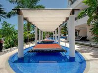 Spacious, modern, clean and so close to all Puerto Adventuras offers/ Easily walkable to all