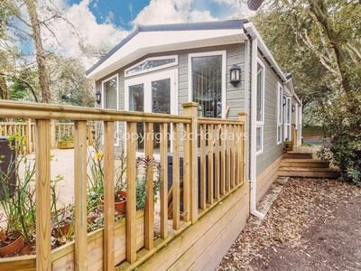 Photo for Pet friendly luxury lodge for hire in Suffolk by the beach  ref 32003