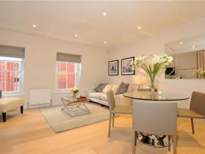 Photo for Luxury 2 Bedroom and 2 Bathroom in Mayfair