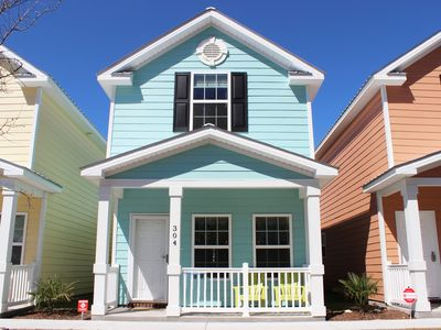 Photo for Beautiful Comfortable Townhome, One Block from Beach!