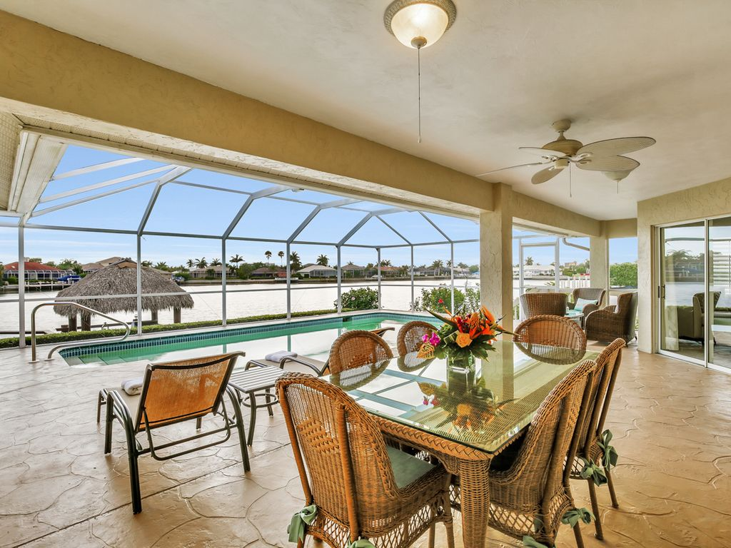 Great Water View 42 Pool House With Tiki Bar On Marco Island