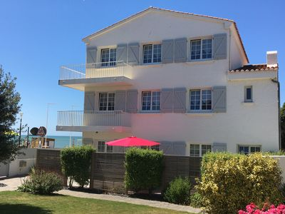 Photo for FRONT OF SEA. Appart 2/4 pers in HOUSE, 3 Stars, in 30 m beach of BOISVINET.