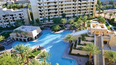 Photo for Family-Friendly Resort, 2 Bdrm Condo, Onsite SPA, Pool & Waterslides, Free WiFi