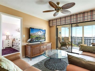 Photo for Harbour Pointe 822N, 2 Bedrooms, Pool, Spa, WiFi, Walk to Beach, Sleeps 2