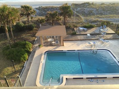 Photo for Oceanfront, gorgeous view, 4th floor overlooking pool