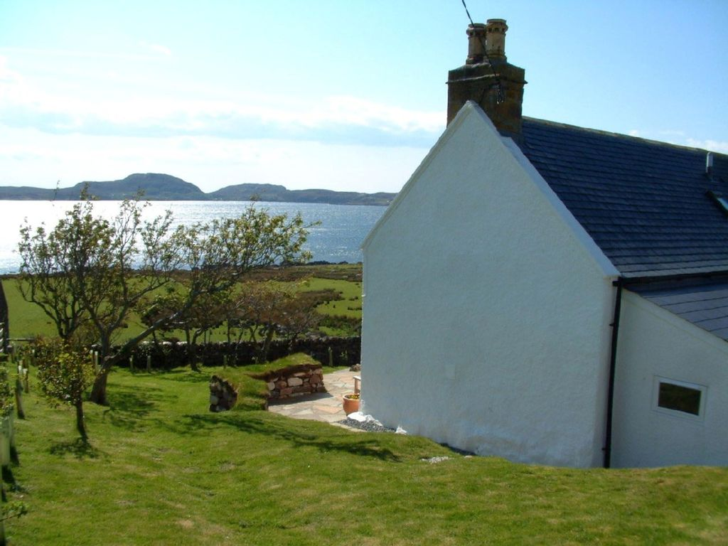 Luxury Cottage In The Heart Of Achiltibuie With Sea Views