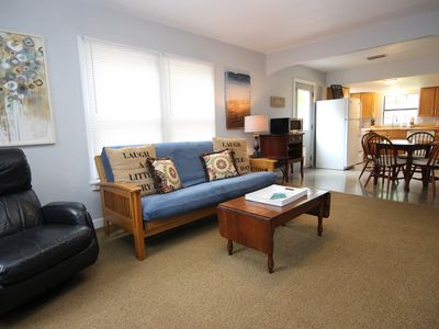 Photo for 2BDR/1BTH- Blocks away from the Faust Bridge!