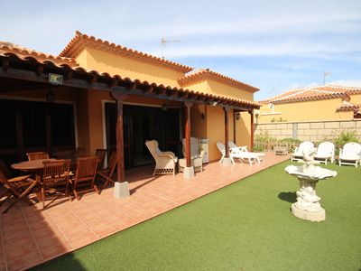 Photo for Villa with pool and private garden