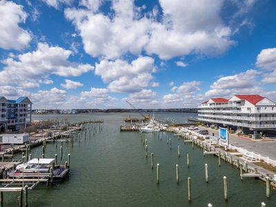 White Marlin is a fantastic downtown location, easy walk to the beach and boardwalk with great views!