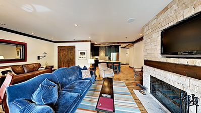 Photo for Fanny Hill ski-in/ski-out condo with community pool and hot tub