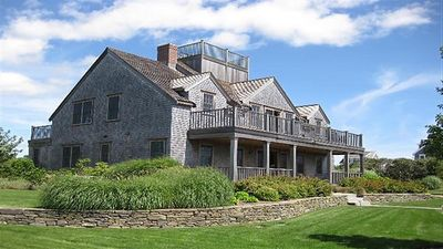 Photo for Beautiful custom built house with ocean views in Madequecham.