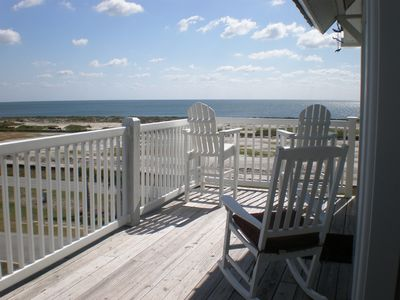 Large open deck with magnificent ocean view