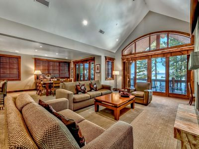 Photo for 8 Sierra Shores Lakeside Luxury Mountain Home Resort 4BR/4BA - 3200 Sq Ft