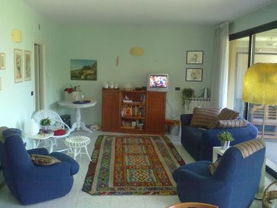 Photo for Wonderful apartment Quiet top floor a few steps from the sea