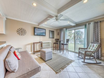 Photo for Studio condo w/ a full kitchen, shared pool access, & tennis courts