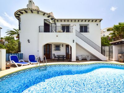 Photo for Beautiful apartment for 6 guests with private pool, A/C, WIFI, TV and parking