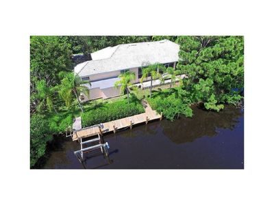 Photo for Spectacular Waterfront 3B/3B w/private 106' dock
