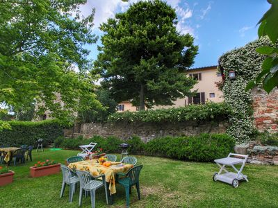 Photo for Attractive apartment on beautiful hilltop with private garden