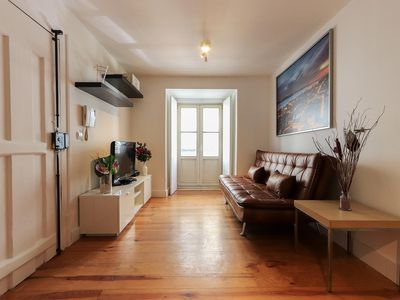 Photo for Elegant apartment 1 room with the Tram at the door near Bairro Alto