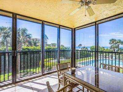 Photo for Beautifully Remodeled  2 Bedroom Condo with Great Gulf Views!