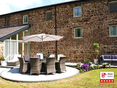 Photo for Stunning 5* Luxury Grade 2 listed Barn, in idyllic country setting