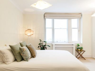 Photo for Spacious, Clean and Comfortable in Notting Hill