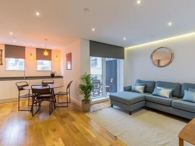 Photo for Super Central 2 Bedroom Flat With Balcony Zone 1!