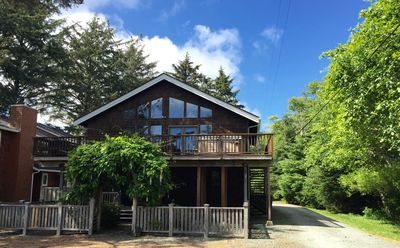 Photo for Sleeps 12-Hot Tub, Steps from Beach-Ask about Specials