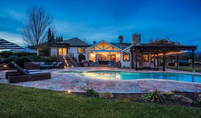 Photo for Spectacular View Estate 5min Away