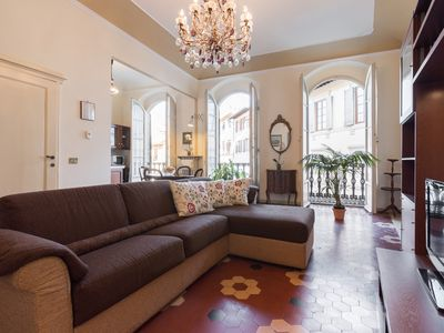 Photo for Perfect Heart of Florence-Super Upscale Location-Roomy-Washer-Lift-Free Wifi
