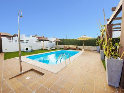 Photo for LUXURY family Villa Delicious Golf, 300M from the beach in Caleta de Fuste *****