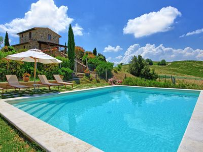 Photo for Wonderful private villa with private pool, WIFI, TV, panoramic view, parking, close to Montepulciano