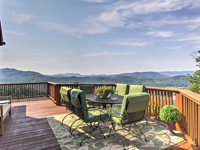 Photo for 'Smokies View' 3BR Wears Valley Cabin w/ Mtn View!