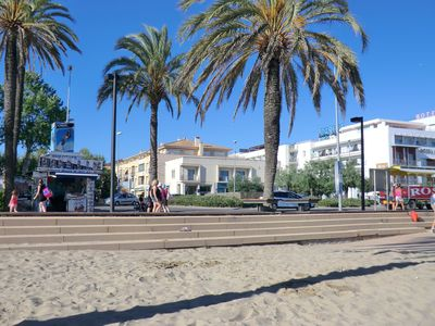 Photo for Nice apartment in the center of Roses, 20m from the beach, with parking.