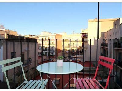Photo for Port Ramblas 3 apartment in Raval with WiFi, air conditioning, balcony & lift.