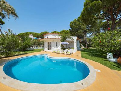 Photo for 2 bedroom Villa, sleeps 4 in Vilamoura with Pool, Air Con and WiFi