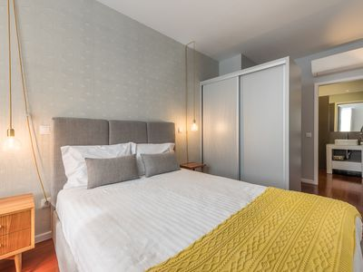 Photo for Vitória Clérigos Apartment III, new and luxurious in the center of the Porto